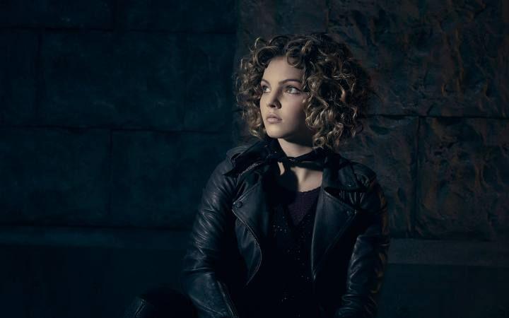 Camren Bicondova, Selina Kyle en la serie 'Gotham', estará en la Comic Con Ecuador