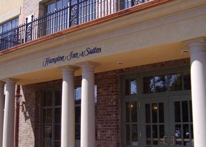 Hampton Inn & Suites Savannah Historic District Hotel, GA - Hotel Entrance