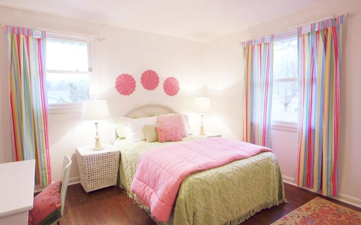 From Masters of Flip: This #bedroom is channeling some #pretty in #pink.