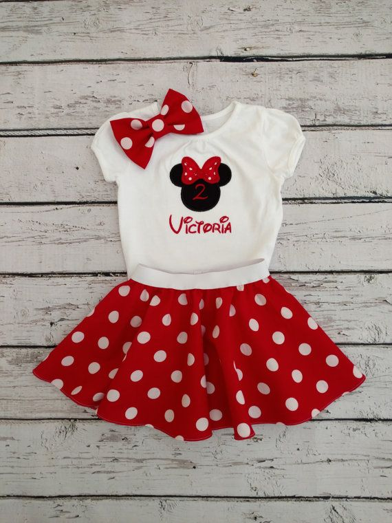 This Minnie Mouse outfit includes 1 polka dot skirt, 1 embroidered top, and 1 polka bow or headband. Skirt is made with 100% cotton…