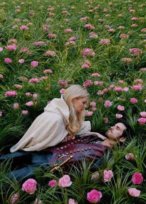 Captain Hook / Killian Jones (Colin O'Donoghue) & Emma Swan (Jennifer Morrison) - Once Upon A Time