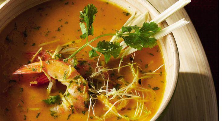 Ce velouté de légumes aux crevettes marinées vous fera fondre de plaisir. Il est onctueux et incroyablement savoureux.