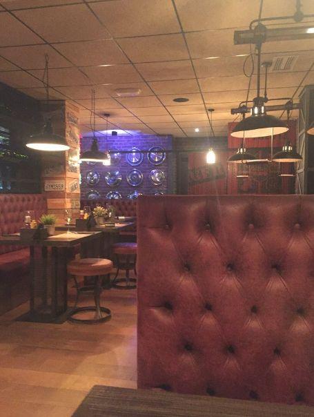 Proyecto Restaurante. BLACK LABEL URBAN GRILL en Málaga. Un referente de la carne de calidad a la brasa en el centro de Málaga. Decoración Industrial Americana. www.desvanvintage.com