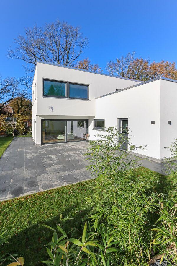 Terrasse Mit Terrassenplatten Naturstein Grau Terrassengestaltung