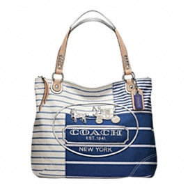 Cute for summer!Glam Totes, Coaches Bags, Design Handbags, Patchwork Glam, Summer Bags, Coaches Poppies, Coaches Pur, Accessories, Poppies Patchwork