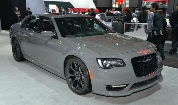 2019 Chrysler 300 Srt8 With Images Chrysler 300 Srt8 Chrysler