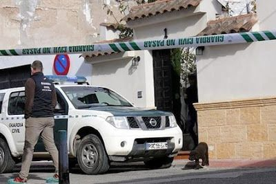 Detenido el marido de la mujer asesinada a puñaladas en su casa de Quintanar. Aunque en un principio se especuló con que fue víctima de un robo al que se habría resistido, ahora se suma la hipótesis de que podría tratarse de un caso de violencia de género. M. Vega | ABC, 2016-01-12 http://www.abc.es/espana/castilla-la-mancha/toledo/pueblos/abci-quintanar-convoca-minuto-silencio-muerte-violenta-vecina-201601121116_noticia.html