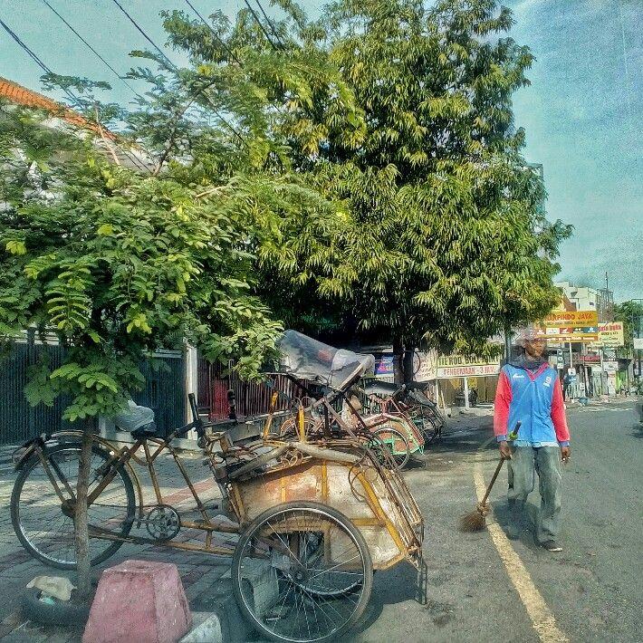 Penyapu Jalanan | Johan Surya