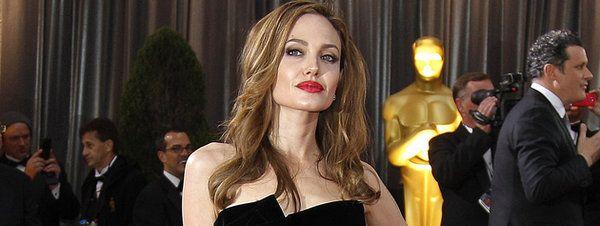Angelina Jolie se plantea ahora extirparse los ovarios - Cachicha.com