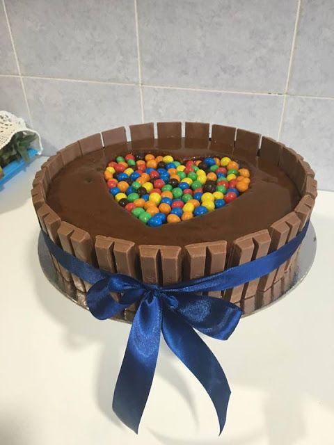 Pimentinhas na Cozinha: BOLO DECORADO COM KitKat