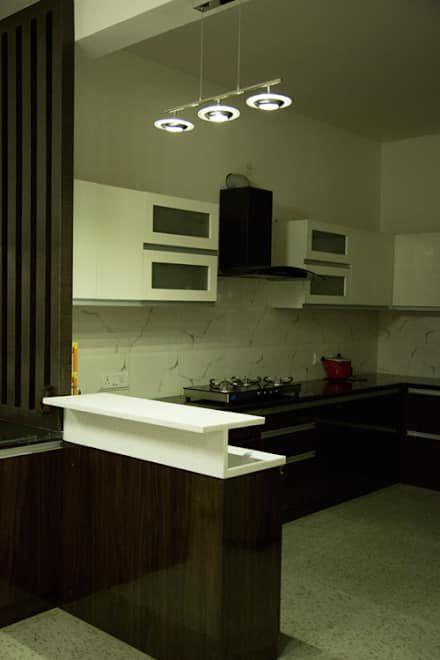 Cucina in stile in stile Asiatico di Bonito Designs Bangalore