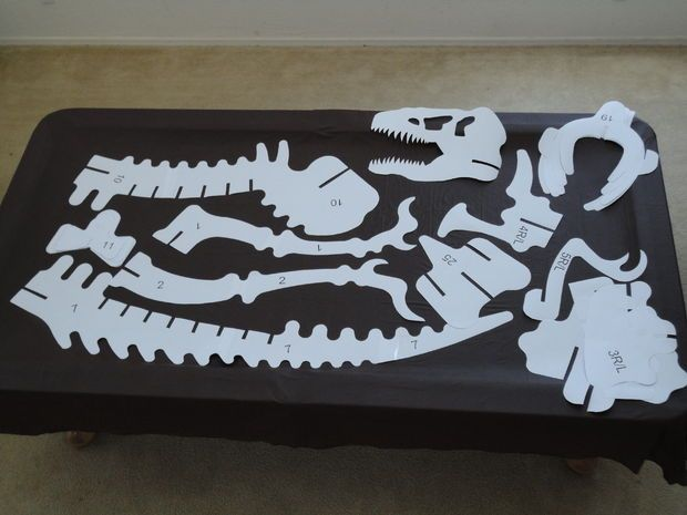 Templates (print on 24x36 paper?) for a 6 foot T rex skeleton to cut from wood or cardboard
