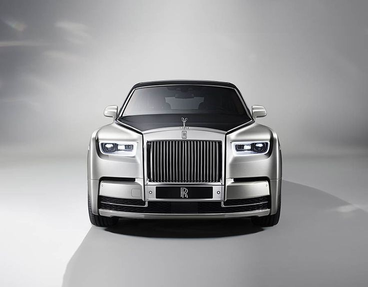 ROLLS ROYCE Phantom VIII 2018 has been unveiled in London. The car's full specs, release date, price, updates and design have now been revealed.