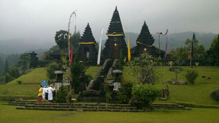 Pura Gunung Salak, Bogor, Indonesia