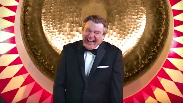 Mike Meyers Hosts The Gong Show as a British Man in New Trailer #NewMovies #british #hosts #meyers #trailer