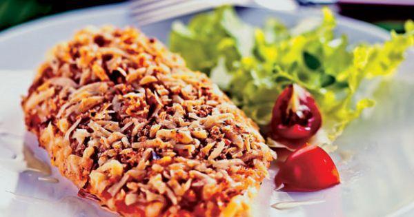 Aprenda a preparar a receita de Peito de frango crocante com queijo e alho