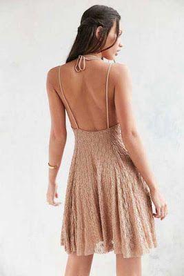 Sırtı açık elbise (Urban Outfitters)
