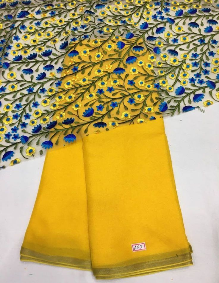 Chiffon weaving saree with fancy blouse piece To purchase mail us at houseof2@live.com or whatsapp us on +91 9833411702 for further detail.