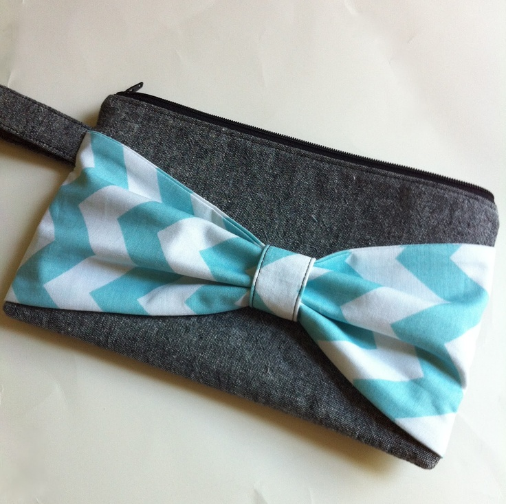 Tutorial...great use for denim scraps...plan to use bow design with side (not top) zipper
