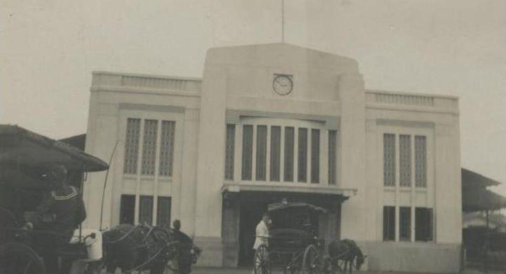 Stasiun Tugu tahun 1935 Sumber: http://media-kitlv.nl