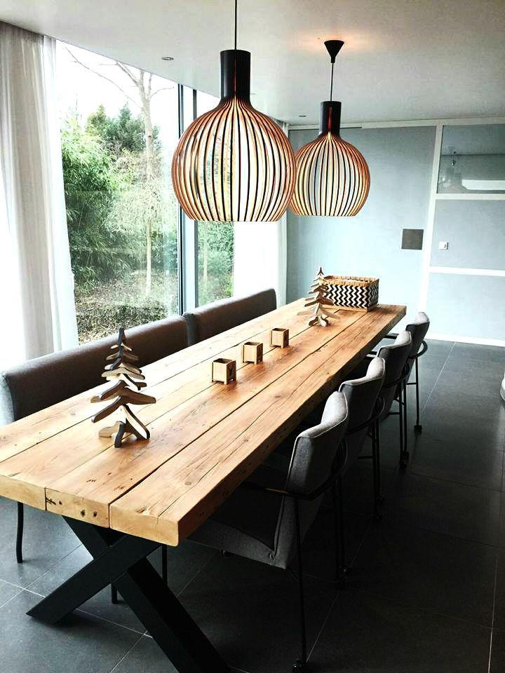 Eettafel Timber met kruisframe. Met prachtige lampen van Secto Design. Tafel van De Betoverde Zolder. #LampEettafel