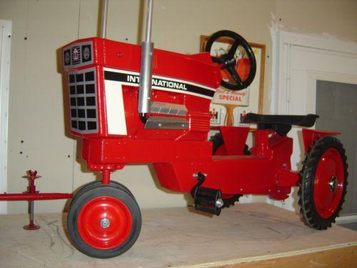 "INTERNATIONAL ""1468 V-8"" Diesel Pedal Tractor ""Custom"""