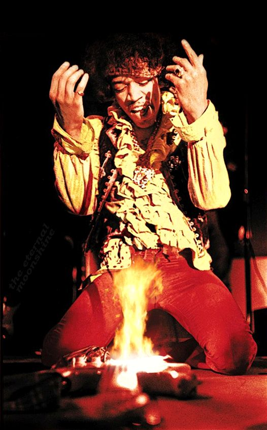 the-eternal-moonshine: Jimi Hendrix burning his guitar at the...