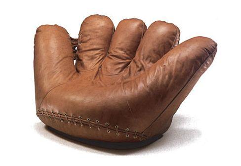 Le fauteuil Joe de Jonathan de Pas.