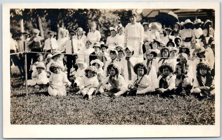 "1910s RPPC Photo Postcard Outdoor Children's Pageant Scene ""Centerville, Iowa"" in Collectibles, Postcards, US States, Cities & Towns 