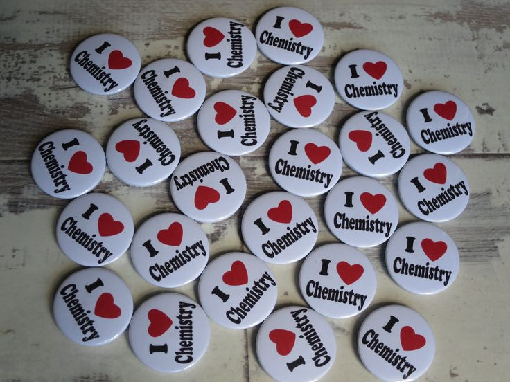 Another batch of badges heading out to a school. This time it's I Love Chemi… – Button badges