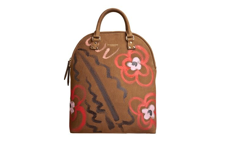 burberry chttp://www.vogue.fr/mode/shopping/diaporama/cadeaux-de-noel-tendance-seventies/21504/image/1118779#!burberry-cape-shopping-seventies