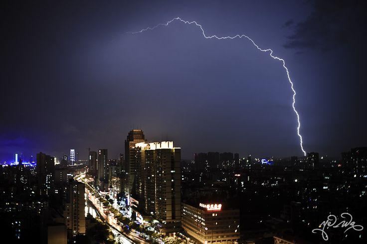 Thunder strike at Guangzhou