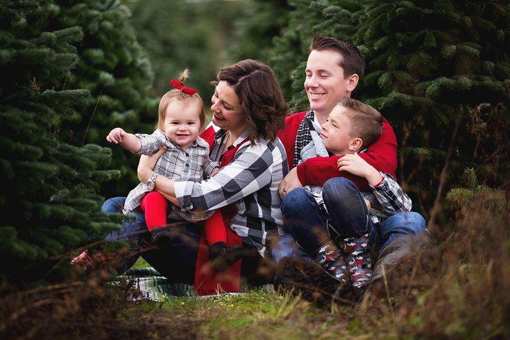 Christmas Tree Farm Family Photos   Seattle Family ...