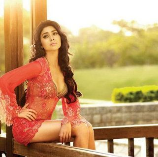 Check out the sensual pictures of birthday girl Shriya Saran's!- mdaily.bhaskar.com