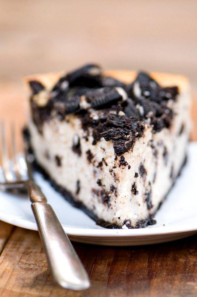 Cheesecake Factory Copycat recipe gone vegan: The Great Vegan Oreo Cheesecake | NamelyMarly.com