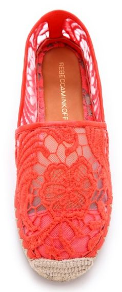 hot-red lace espadrilles  http://rstyle.me/n/hmaanpdpe