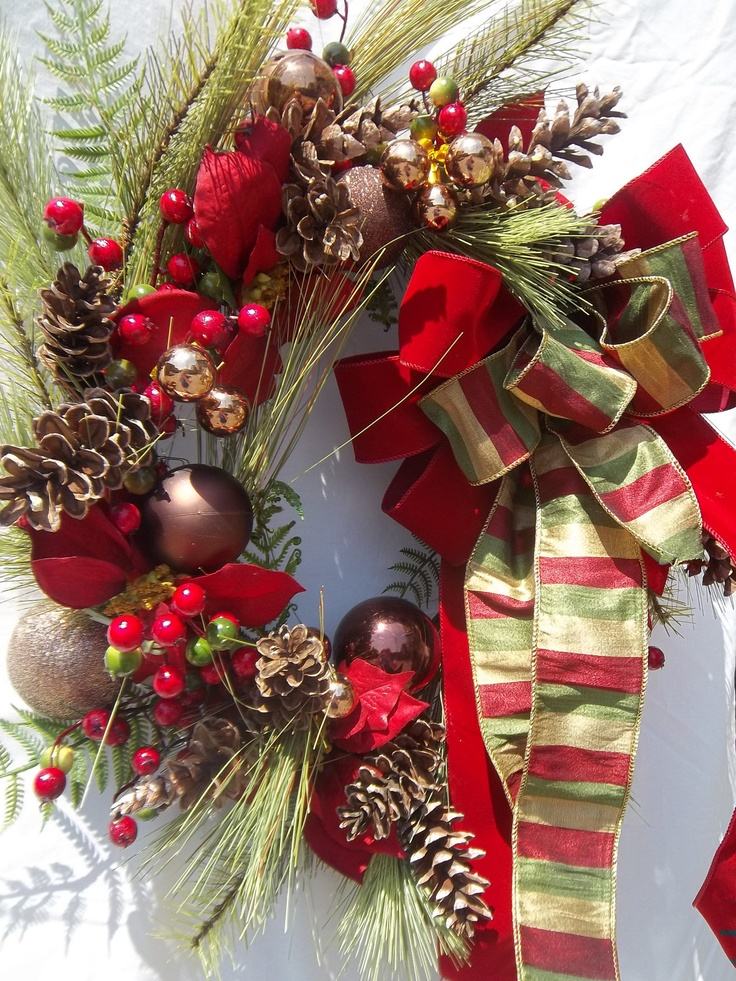 Country Christmas Wreath - Classic Red & Gold Pine Wreath.