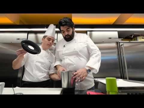 Chips croccante di riso con Gorgonzola e sedano - Antonino Cannavacciuolo - YouTube