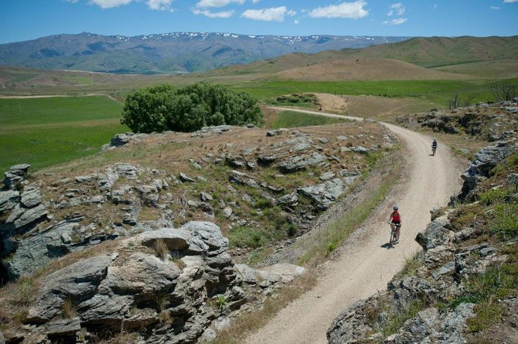 Bike the Otago Central Rail Trail and find yourself passing alongside the dramatic scenery of The Hobbit: An Unexpected Journey filming locations