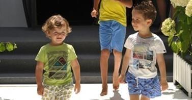 ESTATE ALLE PORTE: SPAZIO AL CELESTE E AL VERDE PER I BAMBINI http://www.cocochic.it/moda-primavera-estate-bambino/