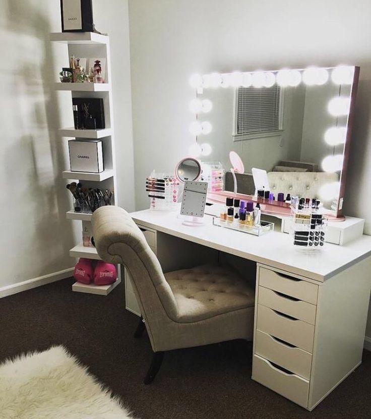 1522 best vanity closet images on pinterest makeup for Bedroom ideas with vanity