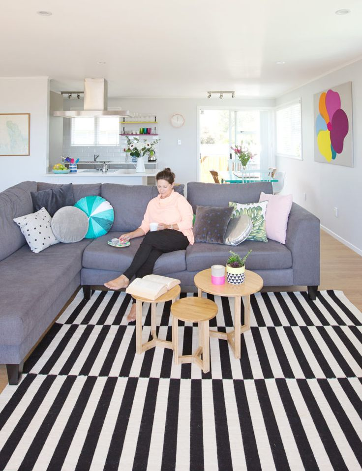 A budget reno opens up a 1970s brick and tile to the ocean view -