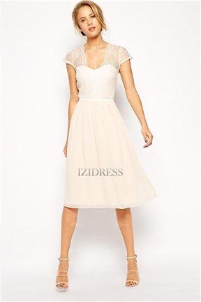 A-Line/Princess V-neck Knee-length Lace Bridesmaid Dresses