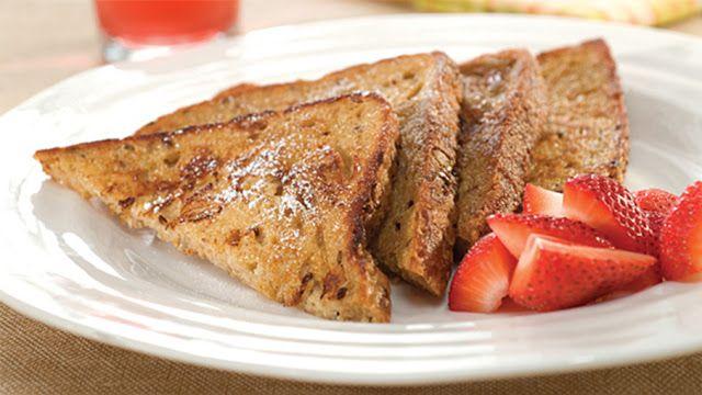 Sorprenda a su familia con esta deliciosa tostada francesa de canela y vainilla para brunch este fin de semana. Para agregar sabor, dec...