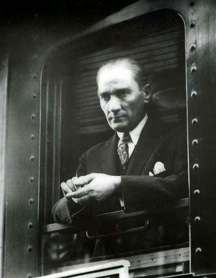 Bu toprakları yurt edinmiş,tüm insanları kucaklayan millet kavramını öğreten #Atatürk'e minnettarız...! 🇹🇷🇹🇷🇹🇷 🇹🇷🇹🇷🇹🇷 🇹🇷🇹🇷🇹🇷 🇹🇷🇹🇷🇹🇷 🇹🇷🇹🇷🇹🇷 🇹🇷🇹🇷🇹🇷