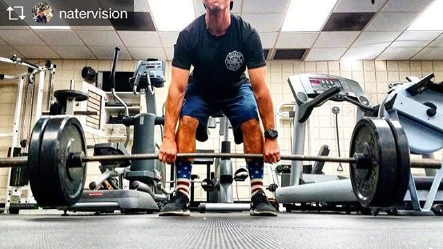 FIREFIGHTER FITNESS  Repost from @natervision @TopRankRepost #TopRankRepost Working my way back up on deads after the bicep tendon tear... no worries @topsphysicaltherapy keeping it light!  Want to be featured? Show us how you train hard and do work   Use #555fitness in your post. You can learn more about us and our charity by visiting WWW.555FITNESS.ORG  #fire #fitness #firefighter #firefighterfitness #firehouse #buildingastrongerbrotherhood #workout #ems #engine #truckie #firetruck…