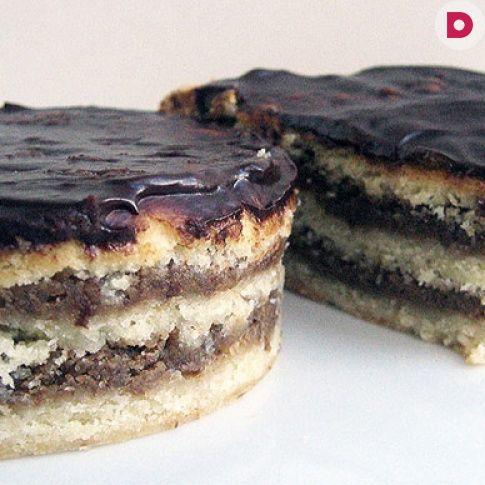 Пирог из грецких орехов с шоколадной помадкой, рецепт приготовления