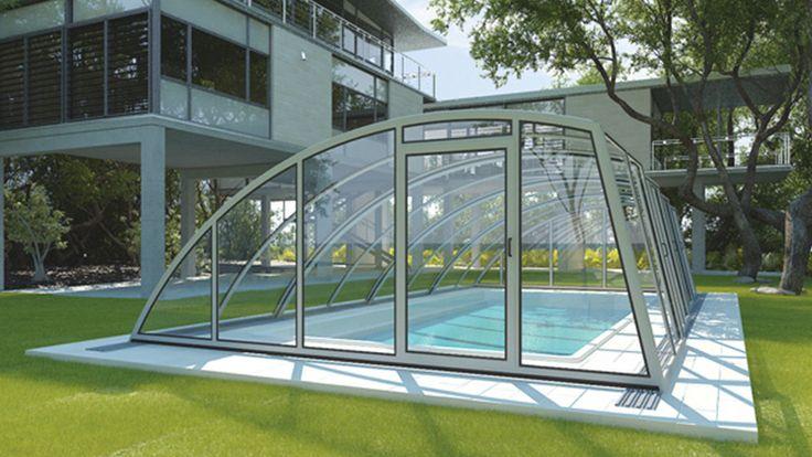 Le modèle PRATIC est composé d'une paroi latérale légèrement oblique et d'un côté arrondi. Le côté vertical assure ainsi une viabilité importante sur la longueur. solariumsolea.ca