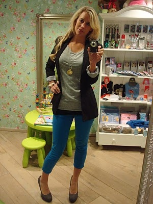 Independent in heels: 3 ways to wear: Electric blue pants