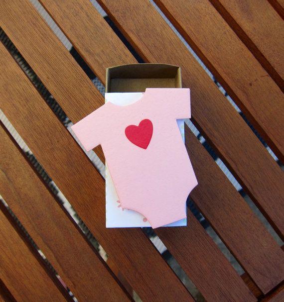 Favore baby Shower tutina in ossequio di LongDogLetterpress